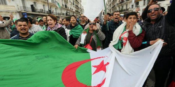 الوزير الأول نور الدين بدوي : الجزائر كتعيش مرحلة خاصة فتاريخها