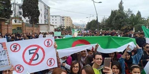 البوليساريو ضربات الطم على الحراك الجزائري وتراجع بوتفليقة عن الترشح