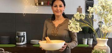 الطباخة المزابية شميشة عايشة السياحة فالمغرب بكارافان كتسارا بيها الجنوب