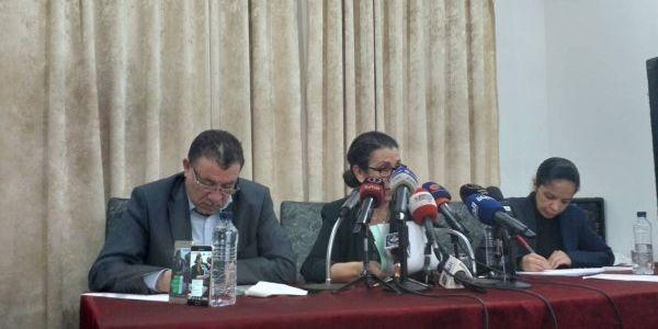 تواصل المظاهرات فالجزائر. والويزة حنون دعات لإلغاء الإنتخابات