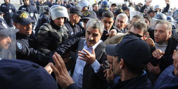 سعيد سعدي للجنرال احمد گايد صالح: سير فحالك انت رمز الفساد
