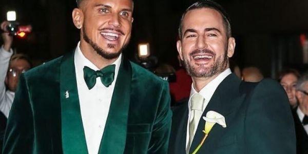بالتصاور. مصمم الأزياء العالمي مارك جاكوبس تزوج من صاحبو ودارو اعرس هاي كلاص
