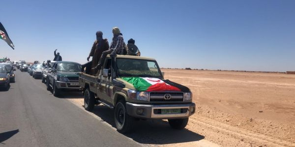 بالفيديو. مسيرة إحتجاجية بالسيارات فتندوف للمطالبة بحرية التنقل والحركة