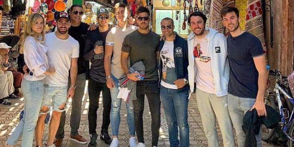 اللعابة ديال الريال مدريد ناشطين في مراكش ومستمتعين بالشمس في لالة تكركوست