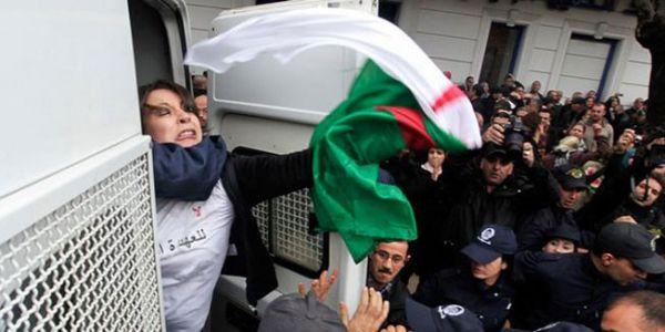 بوليس الجزائر: عتاقلنا 108 متظاهر