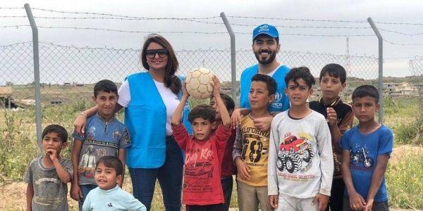 الفنانة المغربية شذى حسون زارت مخيمات النازحين العراقيين واللاجئين السوريين في العراق