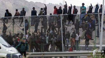 اصابة عشرين عنصر فالحرس المدني فمليلية خلال هجوم الافارقة على السياج