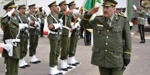 """هذا هو الجنرال الجزايري  اللي ديما كايستاشر مع """"فقيه"""" مغربي ف حرب المؤامرات الحالية"""