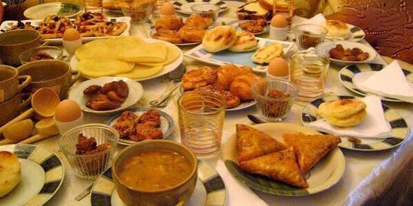 مؤرخ: مائدة الإفطار عند المغاربة كانت بسيطة ومعتادين على قلة الأكل والسكر مكانش داخل فالعادات الغذائية