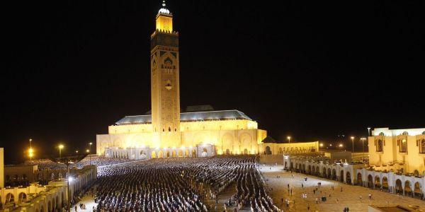 رمضان شهر ديال العبادة ولكن الطاسة علاش تمنعها الدولة، مادام أن العبادة إختيارية وماشي إجبارية وماشي دور الدولة أنها ترد البلاد بحال شي جامع كبير