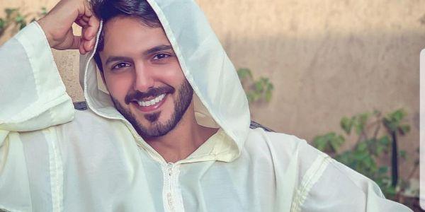 ممثل سعودي اختار الجلابة المغربية في رمضان -صورة