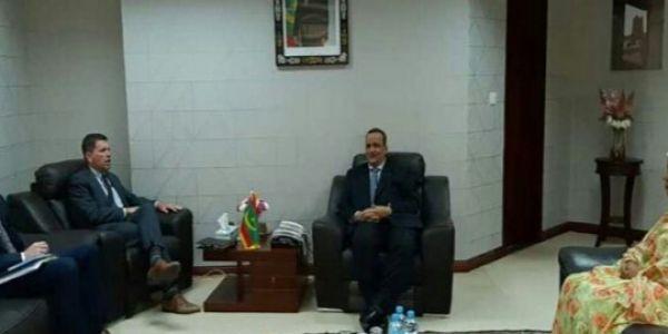 بعد أيام من قرار مجلس الأمن على الصحرا..وزير الخارجية الموريتاني دار مباحثات مع السفير الأمريكي