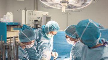 """جراح الأوعية الدموية المعزوزي لـ""""كود"""": خاص إعطاء حوادث السكتة الدماغية بالمغرب الاهتمام لي كتستحق فظل احتكار كورونا مجموعة من الجهود الطبية"""