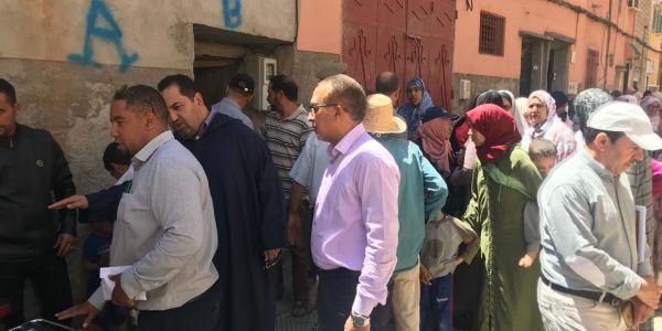 دار طاحت فمراكش: قتلى وجرحى والبومية مزال كتقلب على ضحايا تحت الأنقاض
