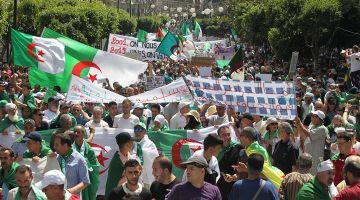 فعز الاحتجاجات.. حملة الانتخابات الرئاسية فالجزائر بدات