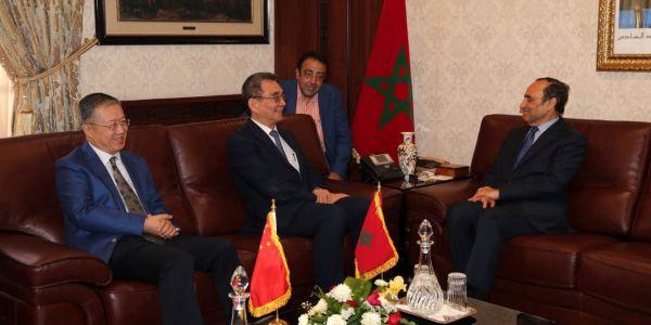 كبير الاقتصاديين الصينيين يحاضر فالمغرب وكيقلب على توسيع دائرة التعاون بين البلدين