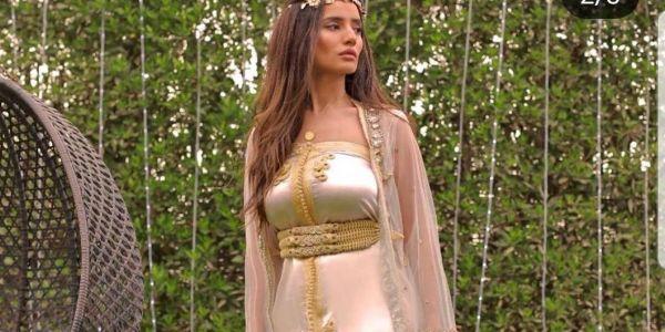 القفطان المغربي عجب الممثلة المصرية زينة.. لبساتو ودوات بالمغربية -تصاور