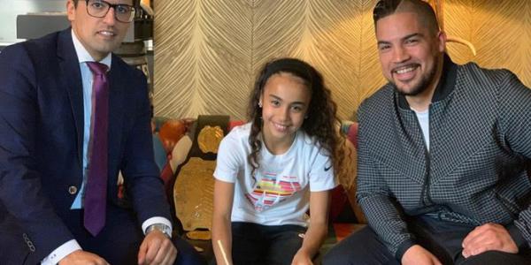 """طفلة مغربية خلات شركة """"نايك"""" تبدل سياستها وتتعاقد لأول مرة مع ملاكمة فهولندا"""