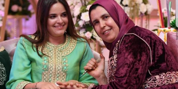 """من بعد التخرج من جامعة """"هارفارد"""" بنت الأمير مولاي هشام فرحانة في المغرب – صور"""