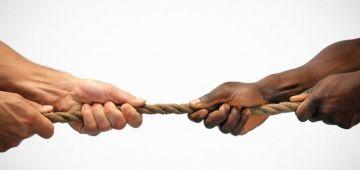 تدوينة فيها ريحة العنصرية وحرضات على ارتكاب جرائم كتمس بالنظام العام جرات واحد للتحقيق فكازا