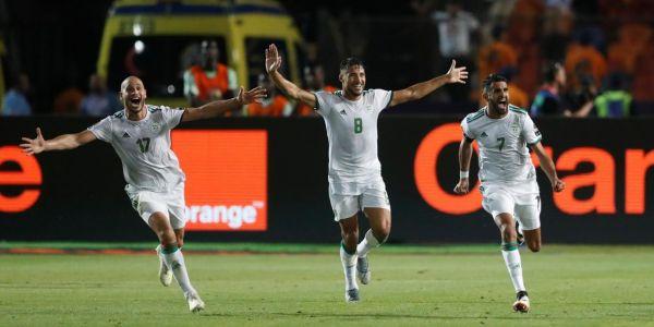 """نجوم مغاربة فرحانين بتأهل الجزائر لنهائي الكان وماكين غير """"خاوة خاوة"""" -صور"""
