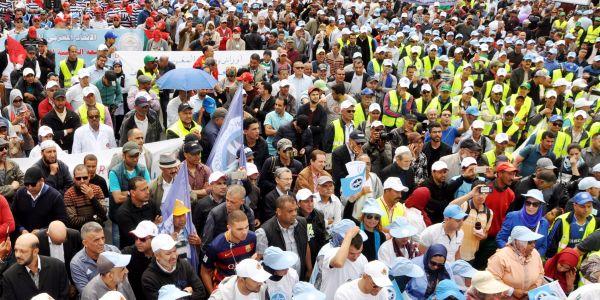نقابة موخاريق قلبات الطابلة على بنعرفة: كنرفضو المقترح الحكومي ديال تحديد ممارسة حق الإضراب