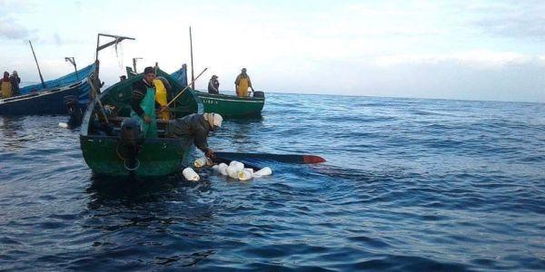 اصطدام باركو للصيد بباطو تجاري جنوب الداخلة وعشرة بحارة مفقودين