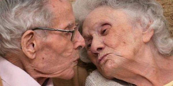 الحب القيقي. من بعد 71 عام ديال الزواج راجل ومراتو ماتو في نفس النهار