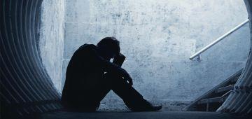 شكون يديها فحالة لمغاربة النفسية. راه 3 شهر ما عارفينش شحال من واحد تزير وشحال جاه اكتئاب وشحال فكر فالانتحار