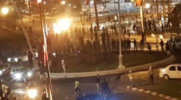 انفصاليون استغلو الاحتفال بفوز الدزاير بكاس افريقيا وضربو مقر قناة العيون بالحجر