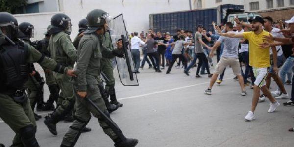 ادانة ثلاثة نشطاء فحراك الحسيمة