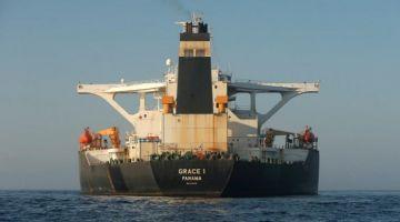 """حرب بين أمريكا وإيران ف جبل طارق.. سفينة """"گريس 1"""" كتحرك وترامب باغي يوقفها بزز"""
