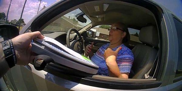 مريكانية كبيرة فالسن خلصات فلوس صحيحة حيت تحدات بوليسي – فيديو