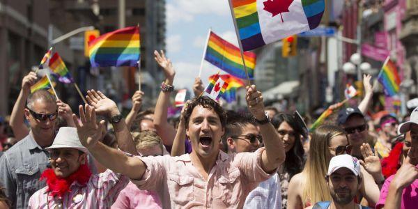 تخيلو هادي فالمغرب.. مونتريال: رئيس وزراء كندا ترودو مشارك فمسيرة المثليين – فيديو