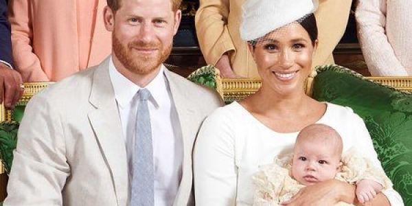 رسميا ومن بعد الهضرة الكثيرة.. الأمير هاري في افريقيا هو وميكَان وولدهم الصغير