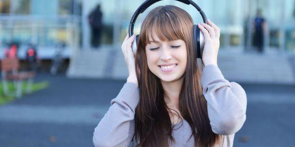 ها أضرار الاستماع للموسيقى بالجهد