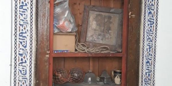 """تحف أثرية عمرها اكثر من 300 عام كتعرض للسرقة بفاس.. مسيّر زاوية لـ""""كود"""": كاينعصابات تتجار فالتراث"""