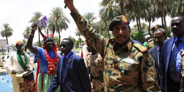 الجنرال البرهان هو الرئيس الجديد للسودان