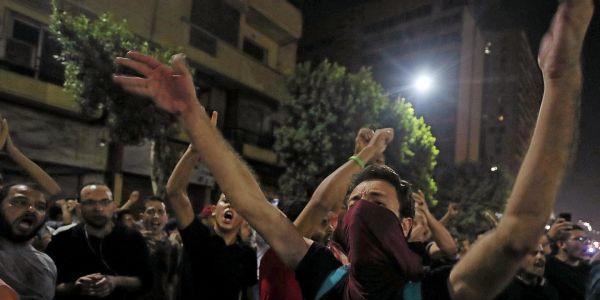 جولة ثانية ف الربيع العربي: شاعلة فمصر ومظاهرات خرجو كيطالبو برحيل السيسي