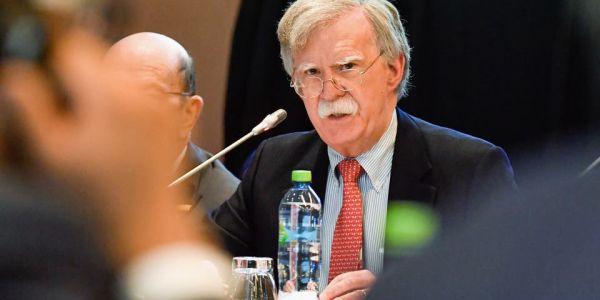 إقالة جون بولتون.. ارتياح فالرباط وباريس وخيبة أمل ضربات قيادة البوليساريو والجزائر