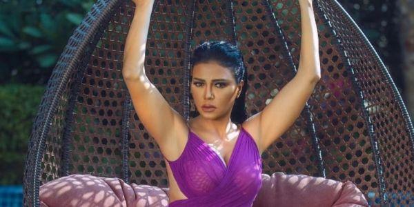 قمع الحريات.. محاكمة الممثلة المصرية رانيا يوسف بسبب تصريحاتها على الحجاب