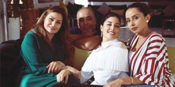 بعد البراءة من تهمة الخيانة الزوجية.. المخرج سعيد خلاف فتصويرة جديدة مع الممثلة نجاة الوافي