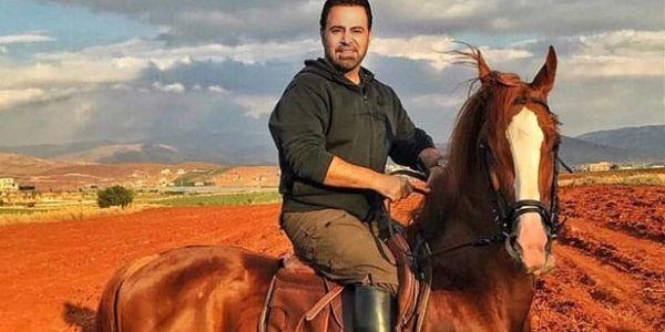 المغني عاصي الحلاني جاب الربحة من فوق ظهر العود وتهرس