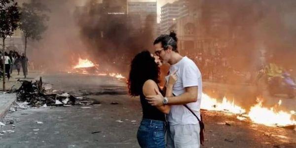 """العيالات فمظاهرات لبنان: متظاهرات هرسو صورة نمطية على اللبنانيات وإشادات عربية ب""""الجميلات الثائرات"""" – تصاور وفيديوهات"""