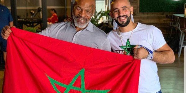 مايك تايسون قريب يدير مشاريع فالمغرب.. هاز الراية المغربية فميريكان وفرحان -تصاور