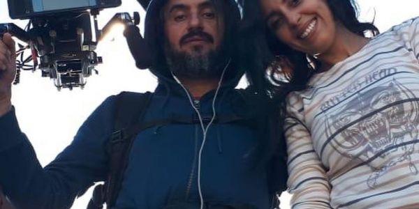 """هشام العسري عزيز عليه البوز والانتقادات.. كيصور الجزء الثاني من """"بيصارة أوفر دوز"""" مع فدوى طالب"""