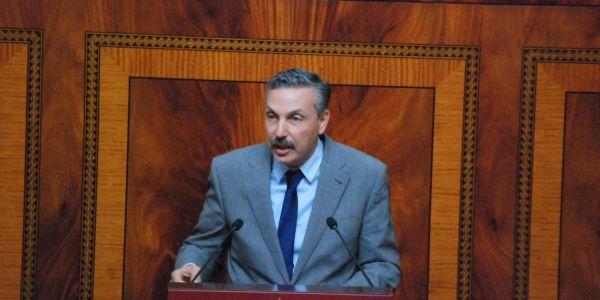 البرلماني الاستقلالي العمرواي المقرب من شباط يقلب الطاولة على نزار بركة ويجمّد عضويه من الاستقلال