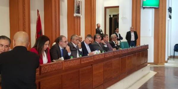 البونية بين مستشاري البام و البيجيدي في مجلس الرباط – تصاور