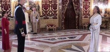 سفيرة المغرب فمدريد رجعات. كانت فعطلة وبدات خدمتها هاد السيمانا
