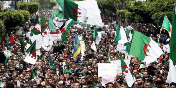 بالفيديو.. الحراك مستمر فالجزائر ووصل لـ38 أسبوع والمتظاهرون هزّو صور تشي جيفارا ومعتقلي الرأي